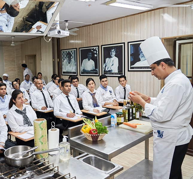 Baking And Cooking Classes in Delhi & Gurgaon - IICA